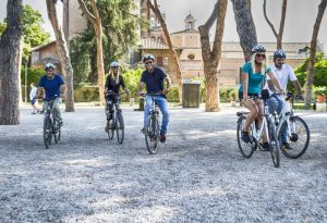 E-bike tour of Rome passing through the Garden of Oranges on the Aventine Hill